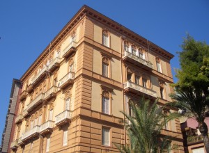 L'edificio di via Posillipo